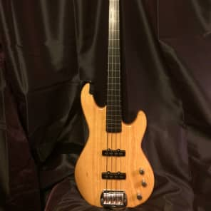 G&L Tribute Series JB-2 Bass Gloss Natural w/ Rosewood Fretboard
