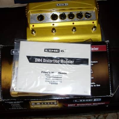 Line 6 DM4 Distortion Modeler Stompbox Effects Pedal - Excellent