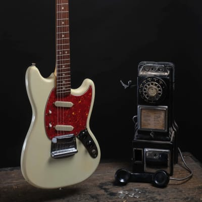 ALABAMA Fender Mustang  1966