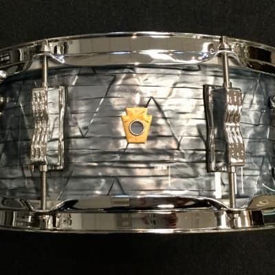 """Ludwig Jazz Fest Legacy Mahogany 5.5"""" x 14"""" Snare Drum  - Sky Blue Pearl"""