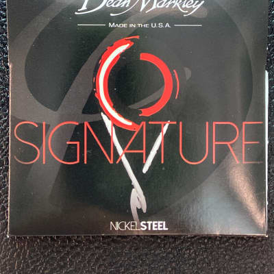 Dean Markley 2508 Signature Series Nickel Steel Electric Guitar Strings - Custom Light (9-46)