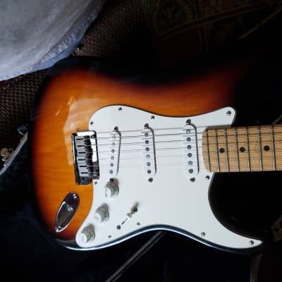 Fender 40th Anniversary American Standard Stratocaster 1994 Burst for sale
