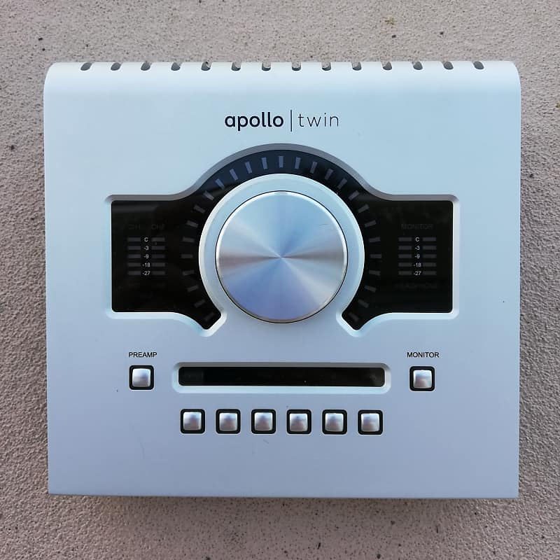 uad apollo twin duo thunderbolt with 26 uad plugins reverb. Black Bedroom Furniture Sets. Home Design Ideas