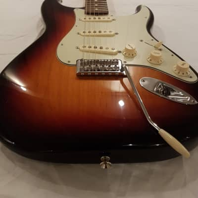 Fender Classic Player '60s Stratocaster with Rosewood Fretboard 2007 - 2018 3-Color Sunburst for sale