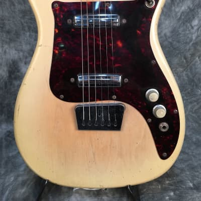 Alamo Titan 60's Cream for sale