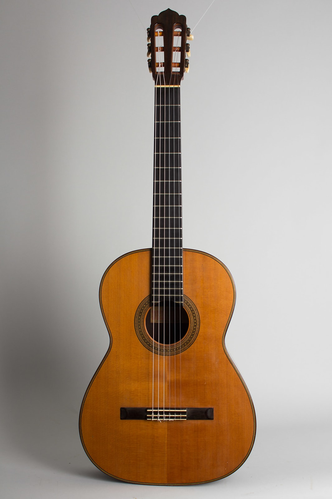 Del Pilar  Classical Guitar (1954), period hard shell case.