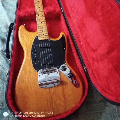 Fender Mustang Guitar with Maple Fretboard 1975 - 1978 Blonde