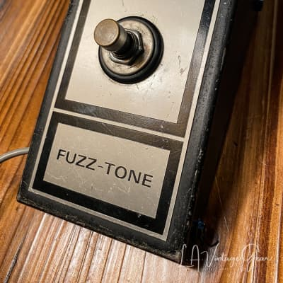 Maestro FZ 1B Intage 1960's Fuzz Pedal by Gibson - Think