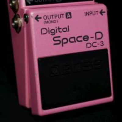 Boss DC-3 Digital Space-D 1990 s/n AA84798 as used by Prince ( 2012 period )