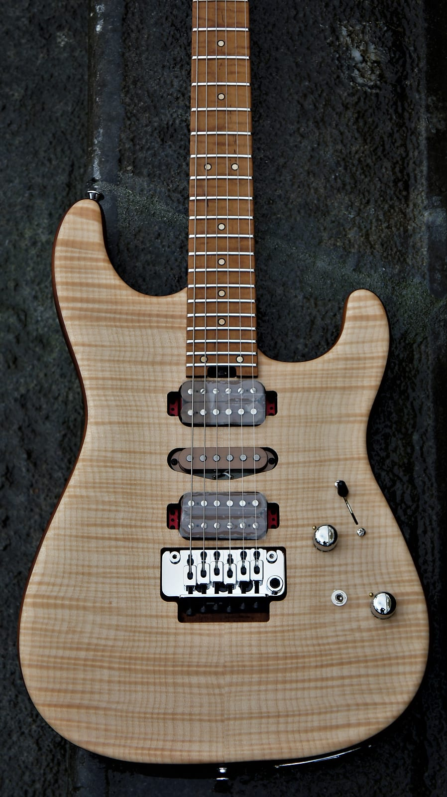 Charvel Guthrie Govan USA - Flame Maple