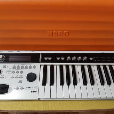 Korg Micro X Synthesiser (white) in Case