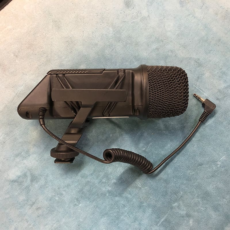 Rode SVM Stereo VideoMic On-Camera Microphone