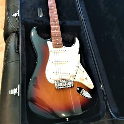 Fender Stratocaster Roland GC-1, Includes Roland GR-55 COSM Synth
