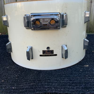 Pearl 1980's pearl fiber glass concert bass drum 1980's Pure white