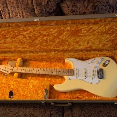Fender Stratocaster 1997 Vintage white for sale