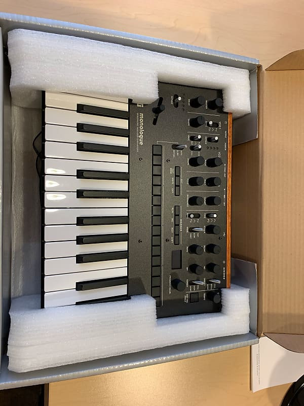 korg monologue monophonic analog synthesizer 2010s black reverb. Black Bedroom Furniture Sets. Home Design Ideas