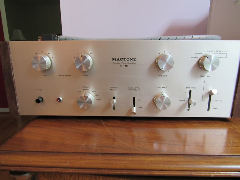 Ultra-rare audiophile Mactone X15 tube preamplifier in very good condition  with power supply