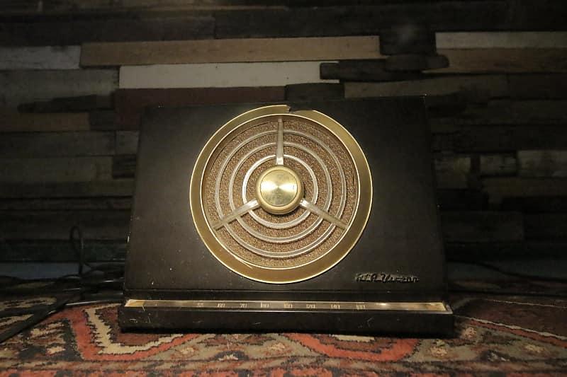 RCA/Victor Tube Radio conversion 50's merlot bakelite