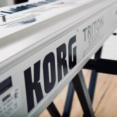 Korg Triton Studio 88 Version 2 keyboard synthesizer piano - Mint with manuals