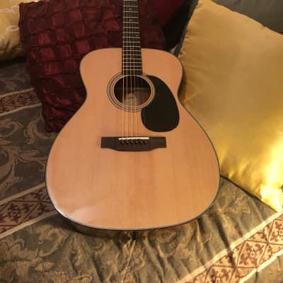 Blueridge BR-43 Contemporary Series 000 Sitka Spruce/Mahogany with Rosewood Fretboard Natural for sale