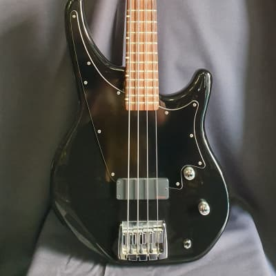 Status  Shark Bass 1980's Black for sale