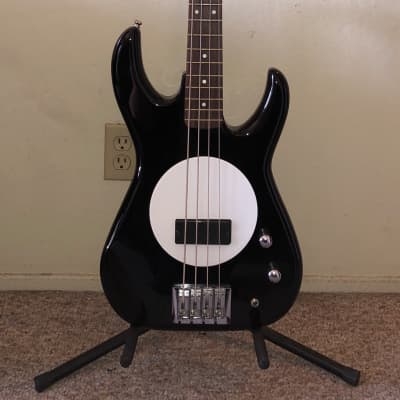 Flea Bass Model 32 The Wild One w/ Gig Bag for sale