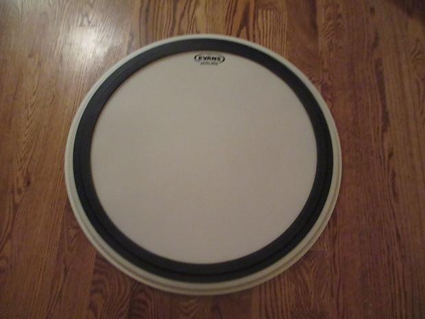 evans new level 360 coated muffled 24 inch bass drum reverb. Black Bedroom Furniture Sets. Home Design Ideas