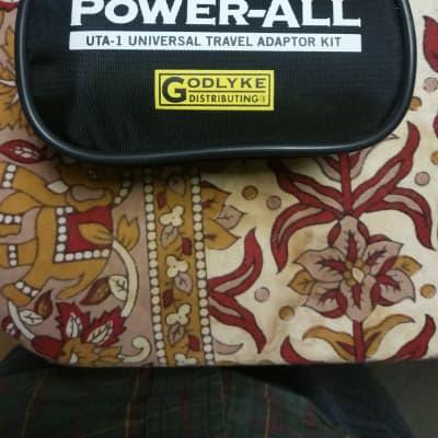 Godlyke UTA-1 Universal Travel Adaptor Kit Black