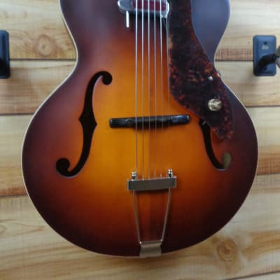 Gretsch G9555 New Yorker Archtop Guitar with Pickup Antique Burst
