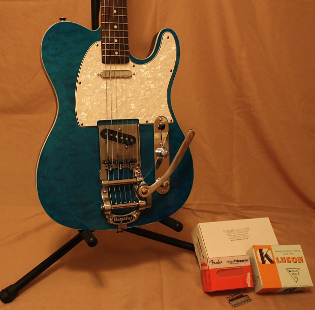Fender Telecaster Gloss Turquoise With Aged White Binding