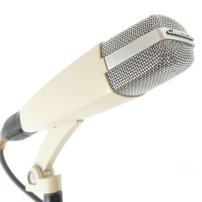 Sennheiser MD 421-2 60's Vintage Dynamic Microphone. First version, script logo