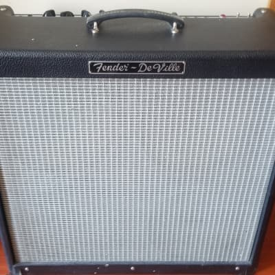 "Fender Hot Rod DeVille 3-Channel 60-Watt 4x10"" Guitar Combo"