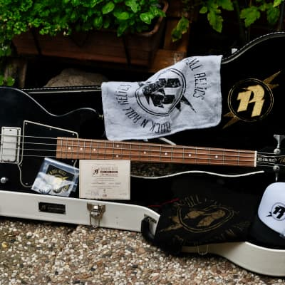 Rock N Roll Relics Thunders Bass 2018 black shortscale for sale