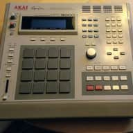 Akai MPC3000 sampling Drum Machine