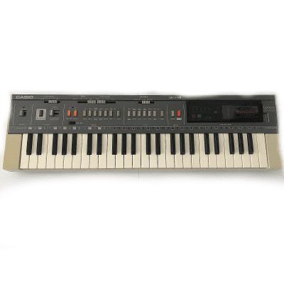 Casio MT-800 Casiotone 49-Key Synthesizer