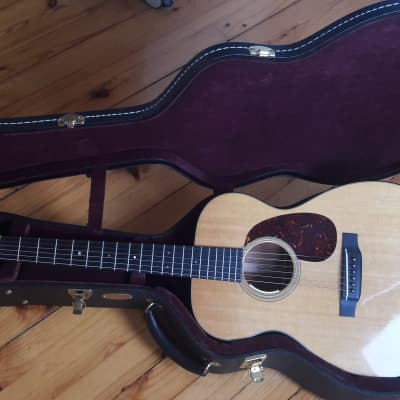 Martin 00-18V Natural 2012 for sale
