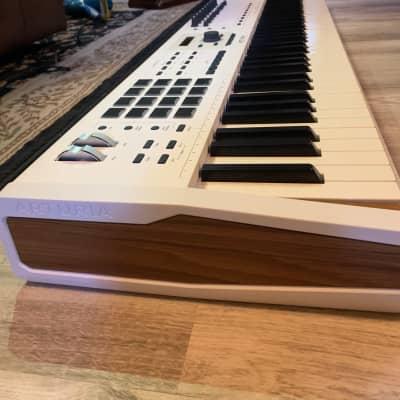 Arturia KeyLab 88 MkII MIDI Controller 2019 - 2021 White