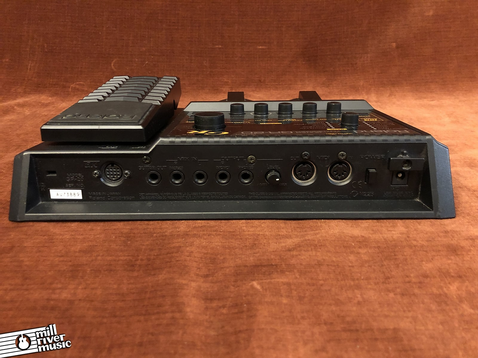 Roland GR-20 Guitar Synthesizer MIDI Effects Pedal w/ GK-3 Pickup, Box & Power Supply