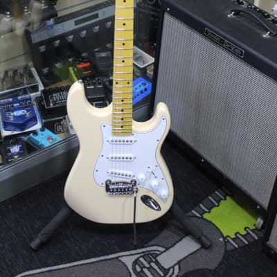 G&L Tribute Series S-500 Vintage White w/ Rosewood Fretboard for sale