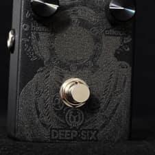 Walrus Audio Deep Six Blackout Edition