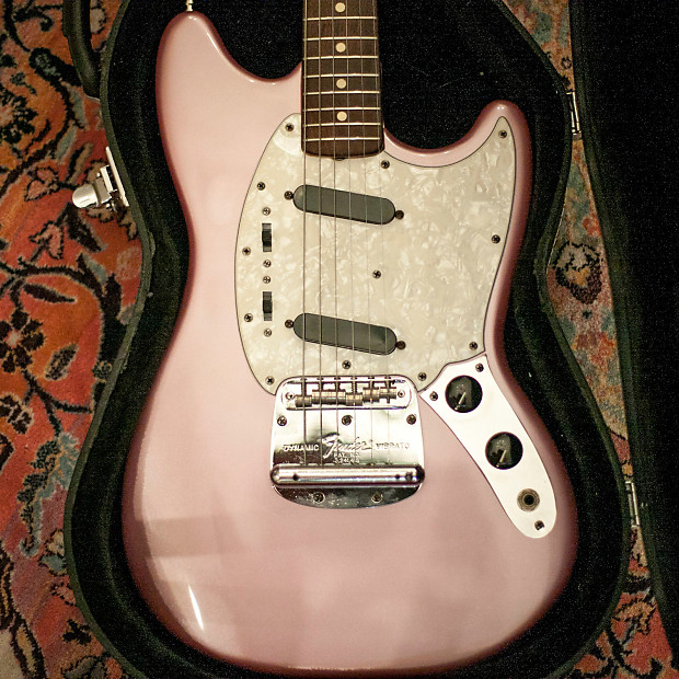 Case Clamshell Fenders : Fender mustang clam shell pink with case reverb