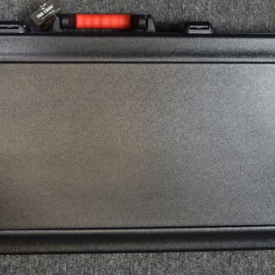 Spector Molded TSA Case for 4-String Spector Basses