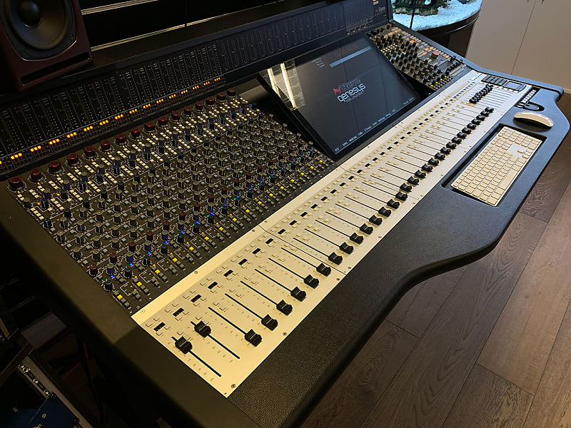 Neve Genesys Black G32 (Ex-Demo)   SX Pro Audio