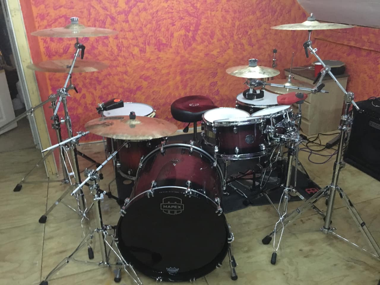 Mapex saturn red burst red sparkle 7pc marc reverb for 18x18 floor tom