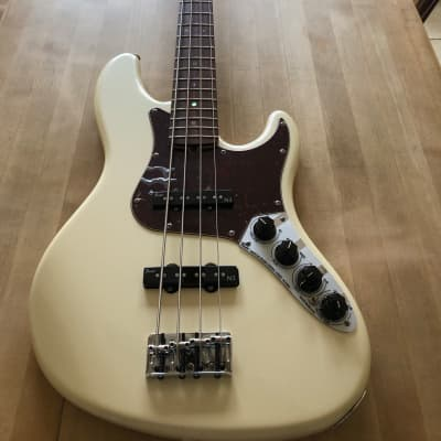 Fender American Deluxe Jazz Bass with Rosewood Fretboard 2007 OlympicPearl for sale