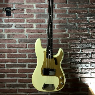 FENDER Fender Custom Shop 59' P-Bass Bass Aged Vintage White - E-Bass for sale