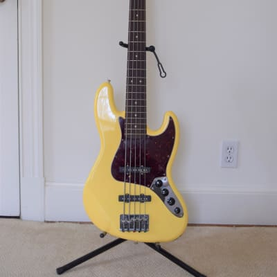 Fender Deluxe Active Jazz Bass V 2011 Vintage white for sale