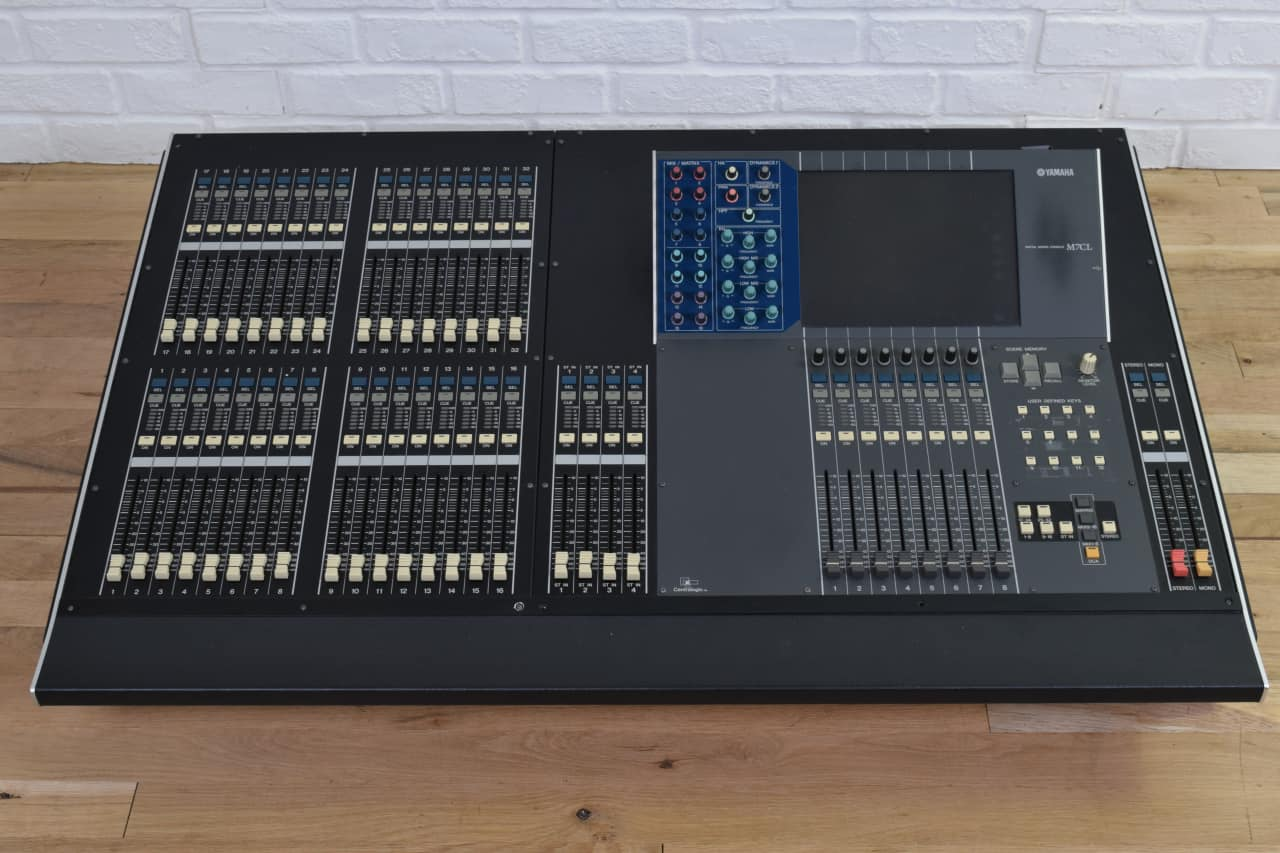 yamaha m7cl 32 digital mixing console near mint used audio reverb. Black Bedroom Furniture Sets. Home Design Ideas