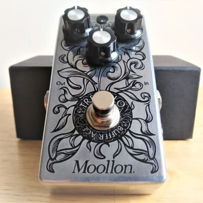 Moollon Buffer Age Boutique Analog Tremolo Guitar Pedal for sale