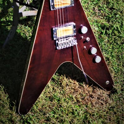 O'Vadka Flying V Stratocaster 1998 Walnut. Handmade. Boutique. Only 1 Custom Porter & Fishman puphma for sale